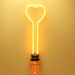 lampadina led a filamento creativo cuore alto